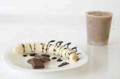 Μπανάνα με τη σοκολάτα και milkshahe Στοκ φωτογραφία με δικαίωμα ελεύθερης χρήσης