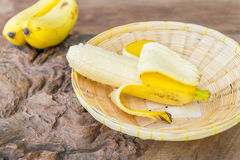 Μπανάνα στο καλάθι μπαμπού Στοκ φωτογραφία με δικαίωμα ελεύθερης χρήσης