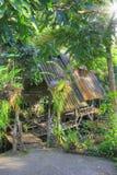Μπανγκαλόου στους τροπικούς κύκλους, Krabi, Ταϊλάνδη Στοκ φωτογραφία με δικαίωμα ελεύθερης χρήσης