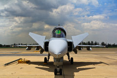 ΜΠΑΝΓΚΟΚ - 2 ΙΟΥΛΊΟΥ: JAS 39 Gripen Στοκ φωτογραφία με δικαίωμα ελεύθερης χρήσης