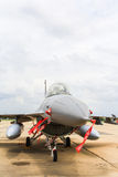 ΜΠΑΝΓΚΟΚ, ΤΑΪΛΑΝΔΗ - 30 ΙΟΥΝΊΟΥ: Το F-16 της βασιλικής ταϊλανδικής Πολεμικής Αεροπορίας παρουσιάζει φεστιβάλ στοκ εικόνες