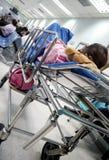 ΜΠΑΝΓΚΟΚ, ΤΑΪΛΑΝΔΗ - 31 ΜΑΐΟΥ: Οι μη αναγνωρισμένοι ηλικιωμένοι ασθενείς περιμένουν στοκ φωτογραφίες με δικαίωμα ελεύθερης χρήσης