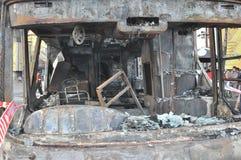 Μπανγκόκ/Ταϊλάνδη - 12 01 2013: Ένα λεωφορείο πήρε το σύνολο στην πυρκαγιά στο δρόμο Ramkhamhaeng Στοκ εικόνα με δικαίωμα ελεύθερης χρήσης