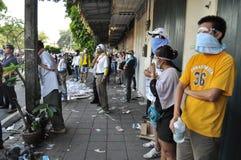 Μπανγκόκ/Ταϊλάνδη - 12 02 2013: Η ταραχή διαμαρτυρομένων και παίρνει το μητροπολιτικό HQ σπιτιών αστυνομίας Στοκ φωτογραφίες με δικαίωμα ελεύθερης χρήσης