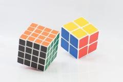 Μπανγκόκ, Ταϊλάνδη - 11 Νοεμβρίου 2017: Ο κύβος δύο Rubik ` s τύπος είναι Στοκ Φωτογραφίες
