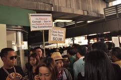 Μπανγκόκ/Ταϊλάνδη - 01 13 2014: Τα κίτρινα πουκάμισα εμποδίζουν Asok ως τμήμα της λειτουργίας της Μπανγκόκ ` κλεισίματος ` Στοκ εικόνα με δικαίωμα ελεύθερης χρήσης