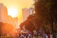 Μπανγκόκ, Ταϊλάνδη - 17 Ιανουαρίου 2015: Η ταϊλανδική απόλαυση ανθρώπων χαλαρώνει Στοκ φωτογραφίες με δικαίωμα ελεύθερης χρήσης