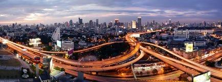 Μπανγκόκ, Ταϊλάνδη - 16 Ιανουαρίου 2016: Ορίζοντας της Μπανγκόκ με την πόλη Στοκ Εικόνα