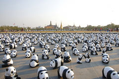 Μπανγκόκ, Ταϊλάνδη - 4 Μαρτίου 2016: Έκθεση της έκθεσης παγκόσμιου γύρου 1.600 εγγράφου mache γλυπτών panda σε βασιλικό Plaza Στοκ φωτογραφίες με δικαίωμα ελεύθερης χρήσης