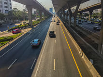 Μπανγκόκ, Ταϊλάνδη - 14 Μαρτίου 2017: Κυκλοφοριακή ροή στην οδό ι Στοκ φωτογραφία με δικαίωμα ελεύθερης χρήσης