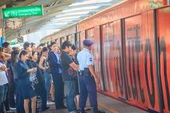 Μπανγκόκ, Ταϊλάνδη - 8 Μαρτίου 2017: Μη αναγνωρισμένη φρουρά ο ασφάλειας Στοκ Εικόνα