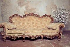 Μπαρόκ καναπές πολυτέλειας Στοκ Φωτογραφίες
