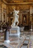 μπαρόκ μαρμάρινη γλυπτική ομάδα από τον ιταλικό καλλιτέχνη Gian Lorenzo Bernini, βιασμός Proserpine σε Galleria Borghese, Ρώμη Στοκ Εικόνες