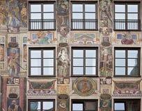Μπαρόκ πρόσοψη σπιτιών που διακοσμείται στην αναγκασμένη προοπτική με τη νωπογραφία Στοκ Εικόνα