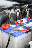 Μπαταρία αυτοκινήτων maintenace Στοκ εικόνα με δικαίωμα ελεύθερης χρήσης