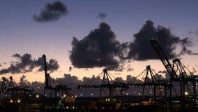 Μπαχάμες - ελεύθερος λιμένας - τερματικό και δεξαμενή καθαρισμού εμπορευματοκιβωτίων για την ανανέωση κρουαζιερόπλοιων φιλμ μικρού μήκους
