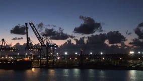 Μπαχάμες - ελεύθερος λιμένας - τερματικό και δεξαμενή καθαρισμού εμπορευματοκιβωτίων για την ανανέωση κρουαζιερόπλοιων απόθεμα βίντεο