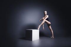 Μπαλέτο στο σκοτάδι Στοκ εικόνα με δικαίωμα ελεύθερης χρήσης