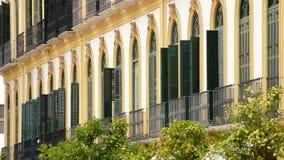 Μπαλκόνια και πεζούλια χαρακτηριστικά της περιοχής όπου ο ζωγράφος Πικάσο γεννήθηκε φιλμ μικρού μήκους