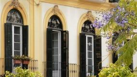 Μπαλκόνια και πεζούλια χαρακτηριστικά της περιοχής όπου ο ζωγράφος Πικάσο γεννήθηκε στη Μάλαγα Ισπανία απόθεμα βίντεο