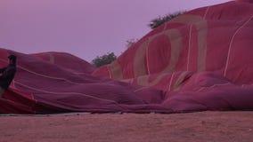 Μπαλόνια ζεστού αέρα σε Bagan, το Μιανμάρ φιλμ μικρού μήκους