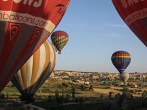 Μπαλόνια σε Cappadocia Τουρκία Στοκ φωτογραφία με δικαίωμα ελεύθερης χρήσης