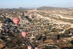 Μπαλόνια σε Cappadocia Στοκ Φωτογραφίες