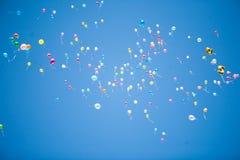 Μπαλόνια στον ουρανό Στοκ Εικόνες