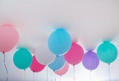 Μπαλόνια στο άσπρο υπόβαθρο Στοκ εικόνα με δικαίωμα ελεύθερης χρήσης