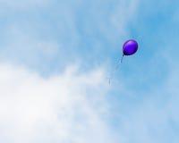 Μπαλόνι που επιπλέει μακριά Στοκ φωτογραφίες με δικαίωμα ελεύθερης χρήσης
