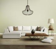 Μπεζ σύγχρονος σύγχρονος καναπές με το λαμπτήρα Στοκ εικόνα με δικαίωμα ελεύθερης χρήσης