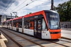 ΜΠΕΡΓΚΕΝ, ΝΟΡΒΗΓΙΑΣ - 15.2017 ΙΟΥΝΙΟΥ: Μετρό Bybanen του Μπέργκεν Το Λ Στοκ Εικόνα