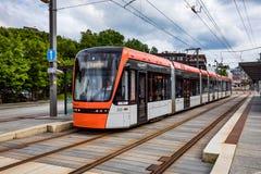 ΜΠΕΡΓΚΕΝ, ΝΟΡΒΗΓΙΑΣ - 15.2017 ΙΟΥΝΙΟΥ: Μετρό Bybanen του Μπέργκεν Το Λ Στοκ εικόνα με δικαίωμα ελεύθερης χρήσης