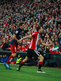 ΜΠΙΛΜΠΑΟ, ΙΣΠΑΝΙΑ - 20 ΑΠΡΙΛΊΟΥ: Koke και Oscar de Marcos στην αντιστοιχία μεταξύ του αθλητικών Μπιλμπάο και Athletico de Μαδρίτη Στοκ Φωτογραφία