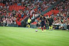 ΜΠΙΛΜΠΑΟ, ΙΣΠΑΝΙΑ - 28 ΑΥΓΟΎΣΤΟΥ: Arda Turan στη δράση κατά τη διάρκεια μιας ισπανικής αντιστοιχίας ένωσης μεταξύ του αθλητικών Μ Στοκ Εικόνα