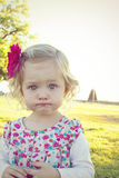 Μπιρμπιλομάτης κορίτσι μικρών παιδιών Στοκ εικόνα με δικαίωμα ελεύθερης χρήσης