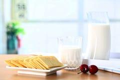 Μπισκότα γάλακτος Στοκ φωτογραφία με δικαίωμα ελεύθερης χρήσης
