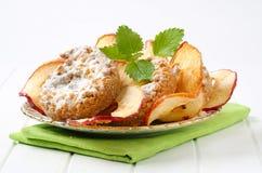 Μπισκότα θίχουλων της Apple με τα τσιπ μήλων Στοκ εικόνες με δικαίωμα ελεύθερης χρήσης