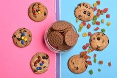 Μπισκότα και γλυκά τσιπ σοκολάτας Στοκ Εικόνα