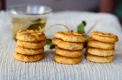 Μπισκότα και τσάι στοκ φωτογραφίες με δικαίωμα ελεύθερης χρήσης