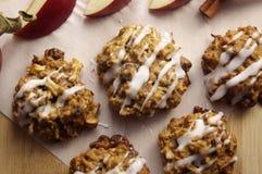 Μπισκότα κανέλας της Apple Στοκ Εικόνα