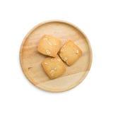 Μπισκότα καρυδιών των δυτικών ανακαρδίων σε ένα δασώδες πιάτο Στοκ φωτογραφία με δικαίωμα ελεύθερης χρήσης