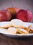μπισκότα μήλων που γεμίζουν Στοκ εικόνα με δικαίωμα ελεύθερης χρήσης