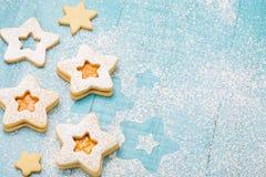 Μπισκότα μαρμελάδας Χριστουγέννων Στοκ φωτογραφίες με δικαίωμα ελεύθερης χρήσης