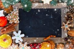 Μπισκότα μελοψωμάτων Χριστουγέννων Στοκ φωτογραφίες με δικαίωμα ελεύθερης χρήσης