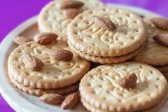 Μπισκότα με τα αμύγδαλα και τη σοκολάτα Στοκ Φωτογραφίες