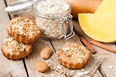 Μπισκότα με oatmeal και την κολοκύθα Στοκ Εικόνα