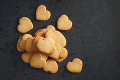 Μπισκότα μορφής καρδιών Στοκ φωτογραφίες με δικαίωμα ελεύθερης χρήσης