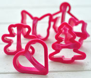 μπισκότα που γίνονται το πλαστικό φορμών Στοκ Εικόνα
