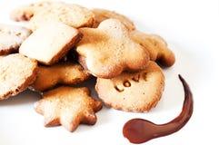 Μπισκότα στο άσπρο πιάτο στοκ εικόνα